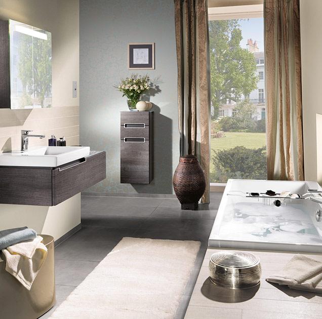 Agencer une petite salle de bains avec baignoire for Salle de bain 6m2 avec baignoire